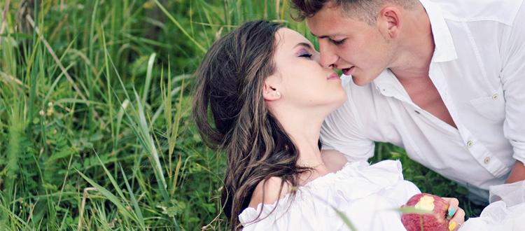 元カノのことが本当に好きなら…好きなら未練など消せるはずがありません。本当に好きなら、彼女の愛情を取り戻すため、もう一度やり直すため復縁する道を選ぶべきです。